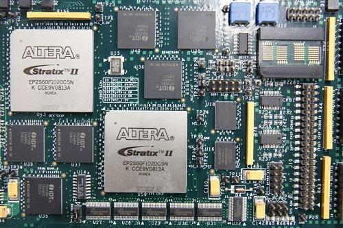 Bloomberg: Trung Quốc bí mật cài chip vào máy chủ của cả CIA lẫn Bộ Quốc phòng Mỹ - Ảnh 1