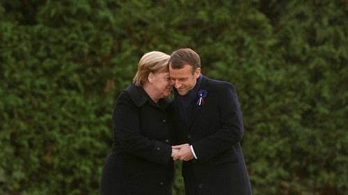 Thủ tướng Đức Merkel bị nhầm thành phu nhân Tổng thống Pháp Macron - Ảnh 1