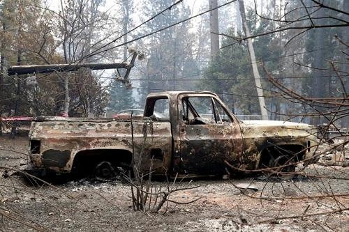 Thảm họa cháy rừng ở California: Khi thiên nhiên bị nhấn chìm trong biển khói lửa - Ảnh 2