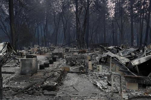 Thảm họa cháy rừng ở California: Khi thiên nhiên bị nhấn chìm trong biển khói lửa - Ảnh 6