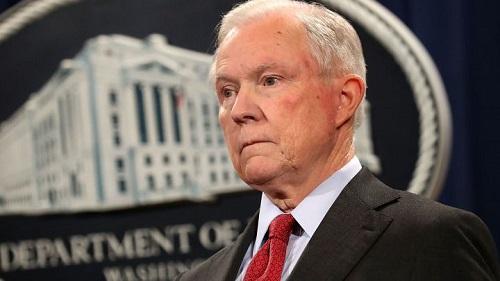 Tổng thống Trump gây áp lực buộc Bộ trưởng Tư pháp Jeff Sessions từ chức  - Ảnh 1