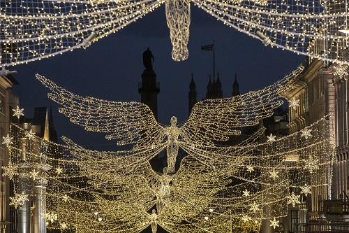 Không khí Giáng sinh tưng bừng khắp thế giới - Ảnh 17