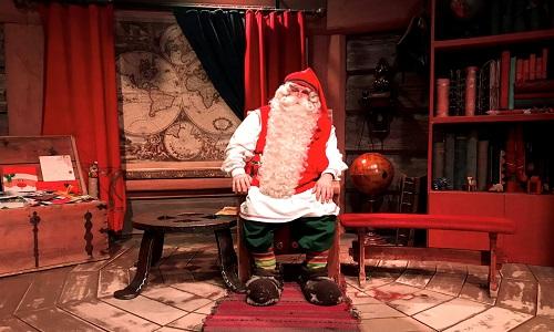 Biến đổi khí hậu khiến các ông già Noel 'nóng bức' trong dịp Giáng sinh - Ảnh 1