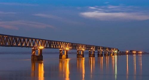 Ấn Độ khánh thành cầu đường sắt có thể đưa xe tăng, chiến đấu cơ đến sát Trung Quốc - Ảnh 1