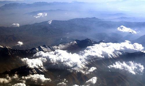 Iran bất ngờ cáo buộc Israel 'đánh cắp mây và tuyết' - Ảnh 1
