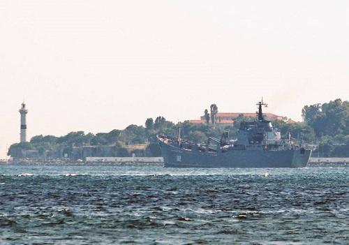 Nga điều tàu chở lượng lớn vũ khí hướng về Syria - Ảnh 1