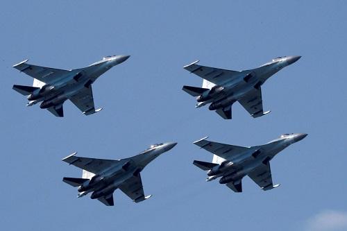 Mỹ áp lệnh trừng phạt Trung Quốc vì mua máy bay chiến đấu, tên lửa của Nga - Ảnh 1