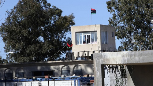 400 tù nhân vượt ngục, chính phủ Libya tuyên bố tình trạng khẩn cấp - Ảnh 1