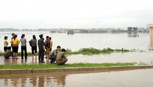 Triều Tiên: Lũ lụt nghiêm trọng khiến 76 người chết, hàng ngàn người vô gia cư - Ảnh 1