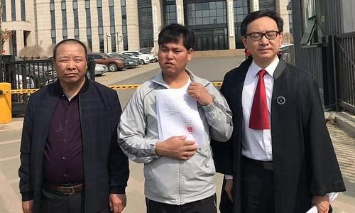 Trung Quốc: Bồi thường hơn 15 tỷ cho người đàn ông ngồi tù oan suốt 25 năm  - Ảnh 1