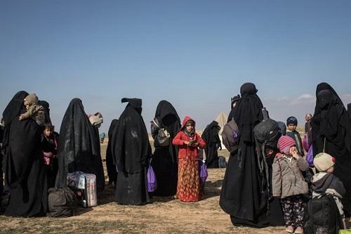 Khủng bố IS ở Syria và 'chiêu bài' giả gái để đào tẩu - Ảnh 1