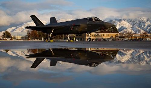 Mỹ lo ngại 'rồng lửa' S-400 của Nga giải mật công nghệ tiêm kích F-35  - Ảnh 1