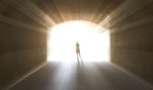 Bí ẩn cuộc sống sau cái chết: Con người cảm thấy 'tuyệt vời hơn' ở thế giới bên kia? - Ảnh 1