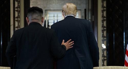 Ông Trump khoe nhận được bức thư 'ấm áp' từ ông Kim - Ảnh 1