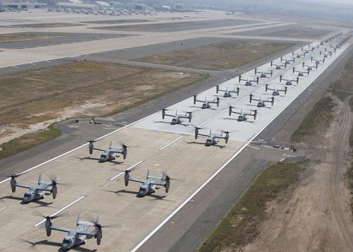 43 trực thăng quân sự Mỹ phô diễn sức mạnh trong cuộc tập trận 'Voi đi bộ' - Ảnh 2