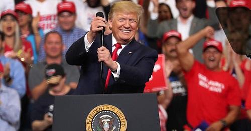 Chiến dịch tái tranh cử của ông Trump thu về 24,8 triệu USD tiền ủng hộ trong một ngày  - Ảnh 1