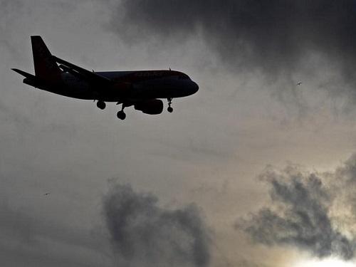 Hi hữu: Máy bay chở 153 hành khách cạn kiệt nhiên liệu, suýt lao thẳng xuống đất - Ảnh 1