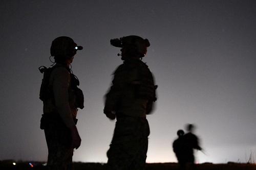 Toàn bộ trung đội đặc nhiệm SEAL của Mỹ bị đuổi về nước vì uống rượu, tấn công tình dục - Ảnh 1