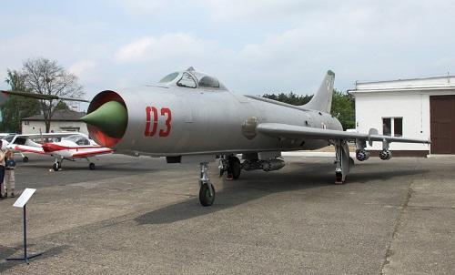 Sukhoi: 80 năm kiến tạo những huyền thoại bầu trời, trở thành tập đoàn vũ khí hàng đầu của Nga - Ảnh 2