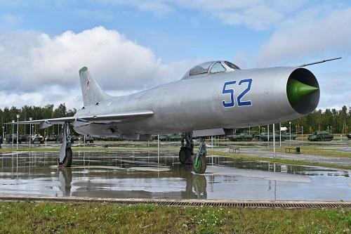 Sukhoi: 80 năm kiến tạo những huyền thoại bầu trời, trở thành tập đoàn vũ khí hàng đầu của Nga - Ảnh 3
