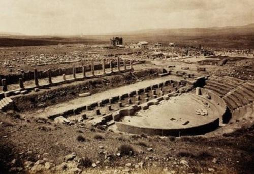 Thành phố La Mã cổ đại Thamugadi: Tàn tích bị sa mạc Sahara chôn vùi gần 10 thế kỷ - Ảnh 2