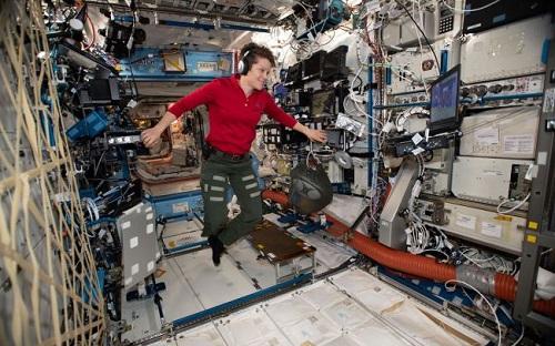 Tội phạm không gian đầu tiên trên thế giới có thể xuất hiện trên Trạm Vũ trụ Quốc tế? - Ảnh 1
