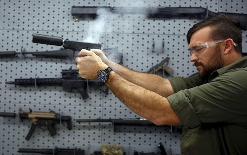 Bao nhiêu người Mỹ đang sở hữu súng? - Ảnh 8