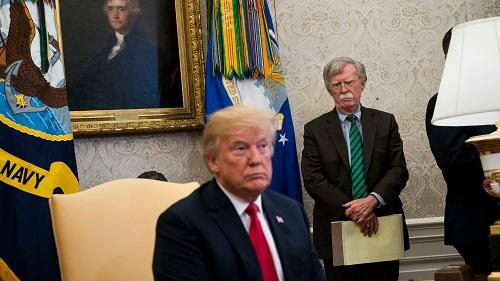Nhìn lại 5 cuộc đụng độ chính sách với Tổng thống Trump khiến Cố vấn An ninh Mỹ mất chức - Ảnh 1