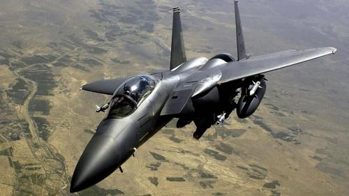 So sánh sức mạnh tiêm kích 'đại bàng' F-15 của Mỹ với J-10 của Trung Quốc - Ảnh 2