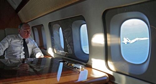 Cựu phi công Nga kể lại giây phút máy bay chở Tổng thống Putin suýt gặp nạn - Ảnh 1