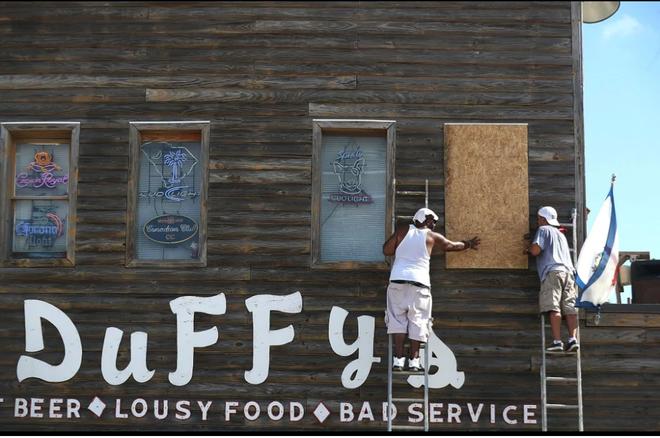 1,7 triệu người Mỹ gấp rút sơ tán vì bão 'quái vật' Florence - Ảnh 3