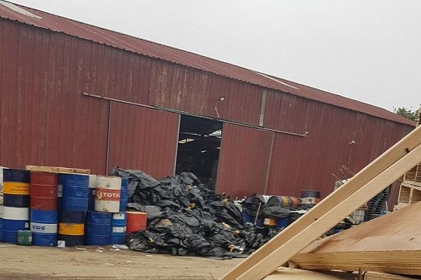 Vấn nạn môi trường (Bài 2): Kho chất thải nguy hại cách nhà dân đúng một bức tường - Ảnh 5