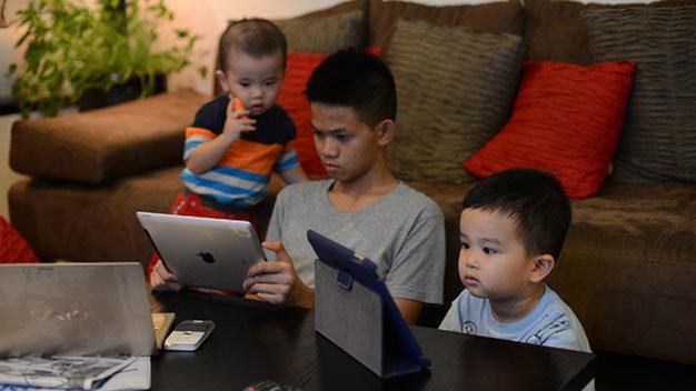 Mẹo hay giúp trẻ tránh xa các thiết bị điện tử  - Ảnh 1