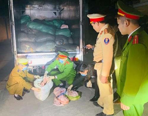 Thanh Hóa: 1,7 tấn bì lợn không rõ nguồn gốc bị bắt giữ - Ảnh 1