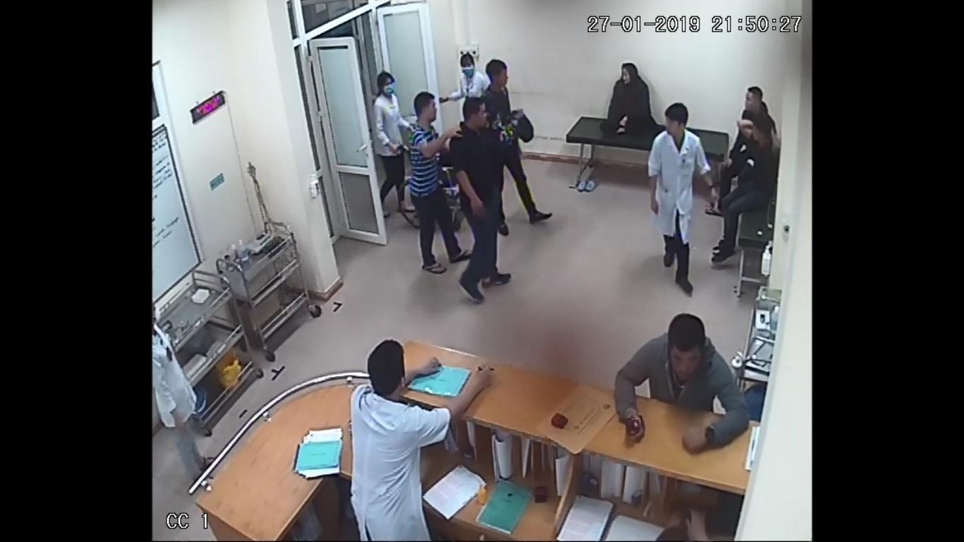 Hải Dương: Nhóm côn đồ xông vào bệnh viện để tiếp tục truy sát nạn nhân - Ảnh 1