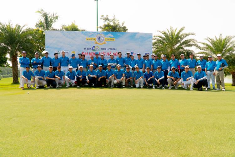 Tổ chức thành công giải Golf nhân kỷ niệm 40 năm thành lập trường Đại học Luật Hà Nội - Ảnh 1