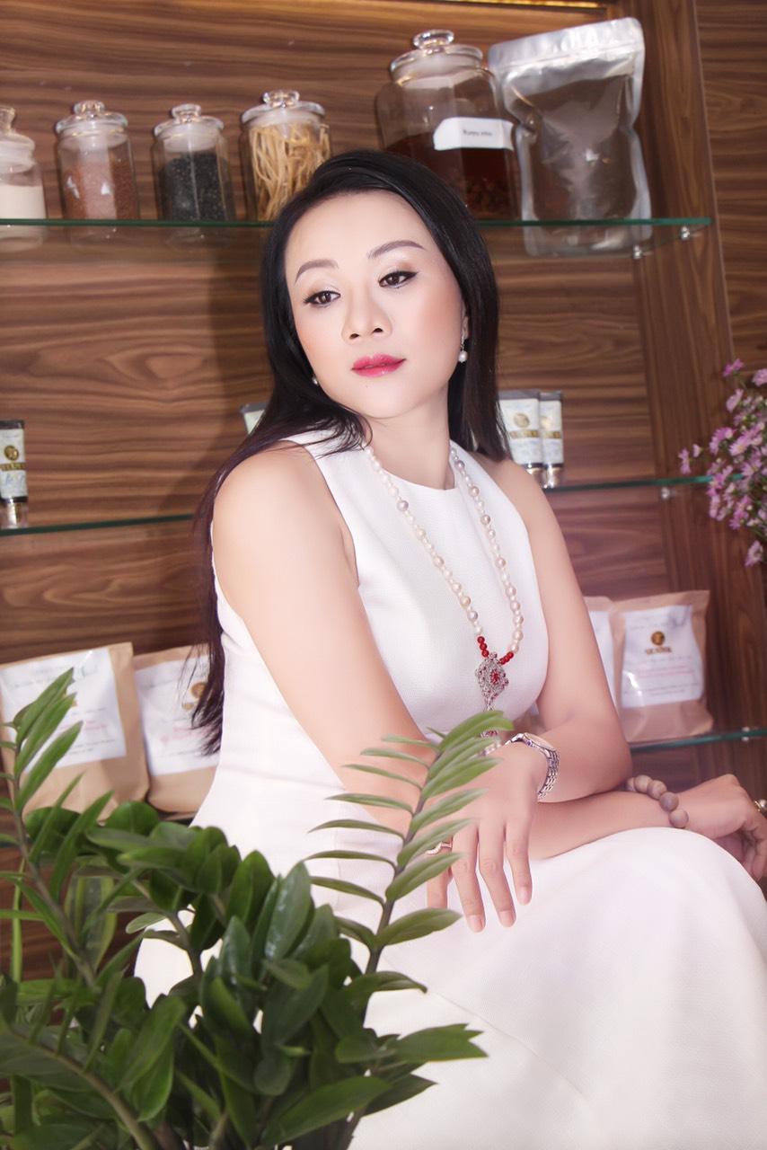 Giám đốc Lê Phạm phục hồi mạnh mẽ sau biến chứng của điều trị da không đúng cách - Ảnh 4
