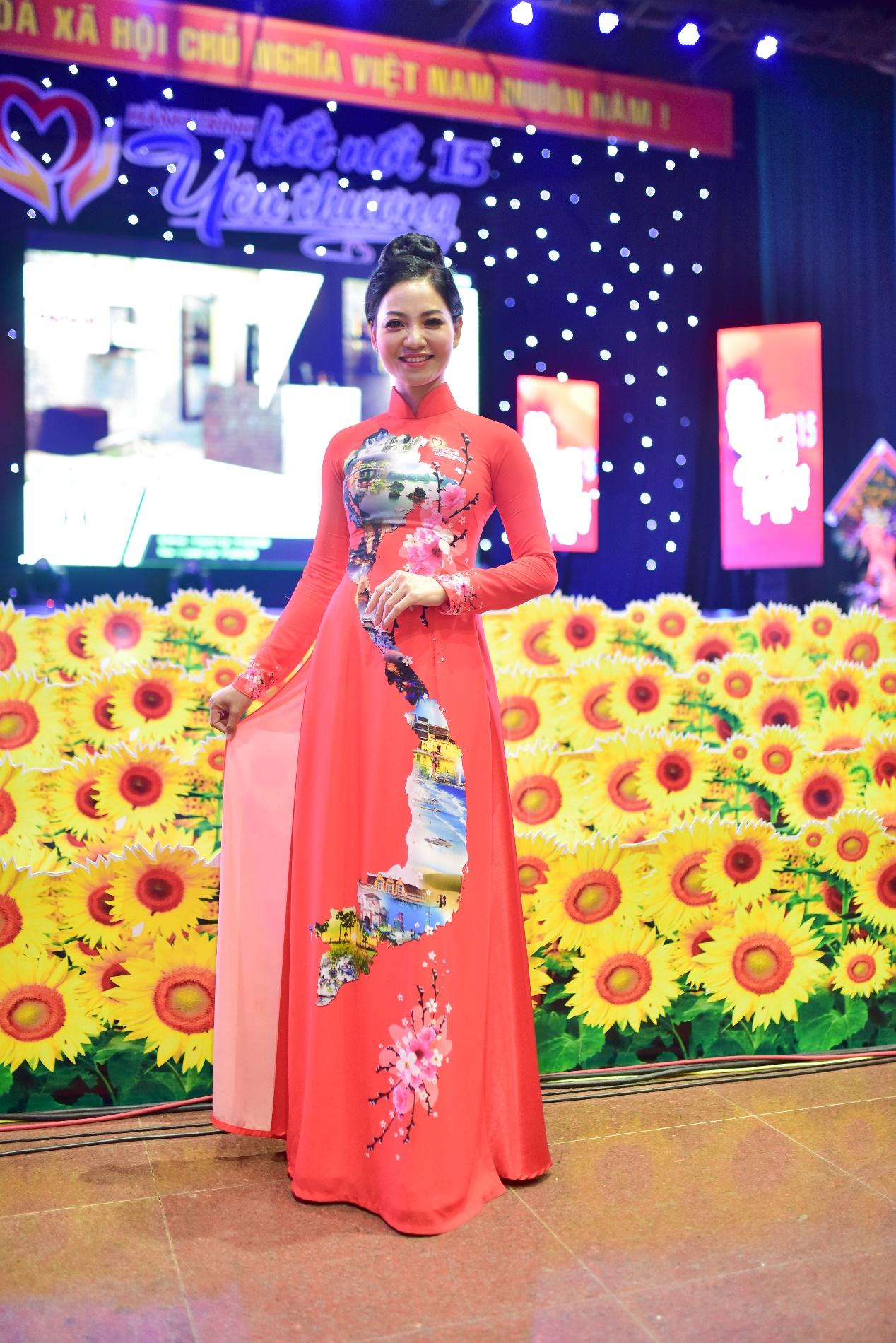 Lưu Lan Anh cùng Hành Trình Kết Nối Yêu Thương số 15 mang yêu thương đến Quảng Ngãi - Ảnh 5