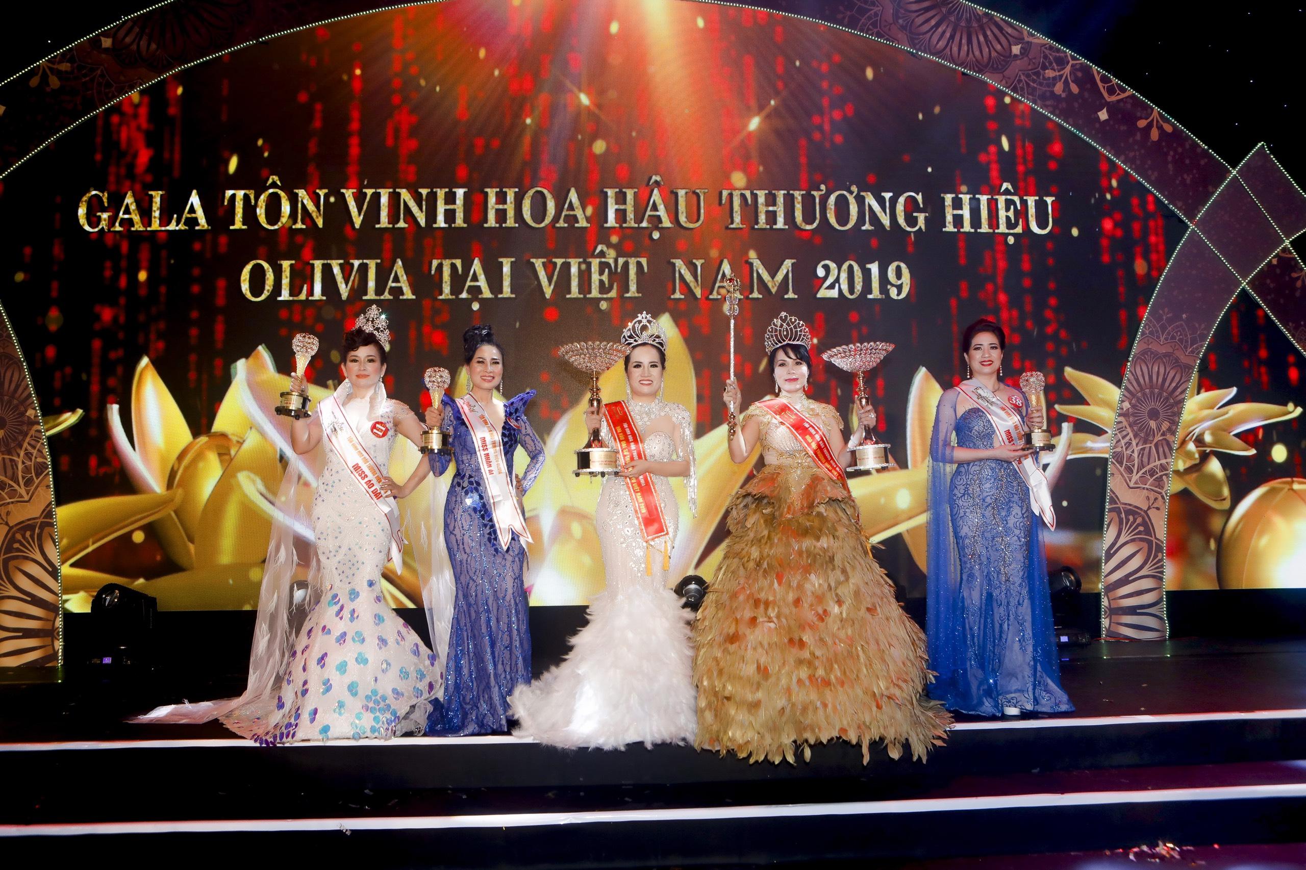 Nhiều sắc màu tại đêm tôn vinh Hoa hậu Thương hiệu Olivia tại Việt Nam 2019 - Ảnh 2