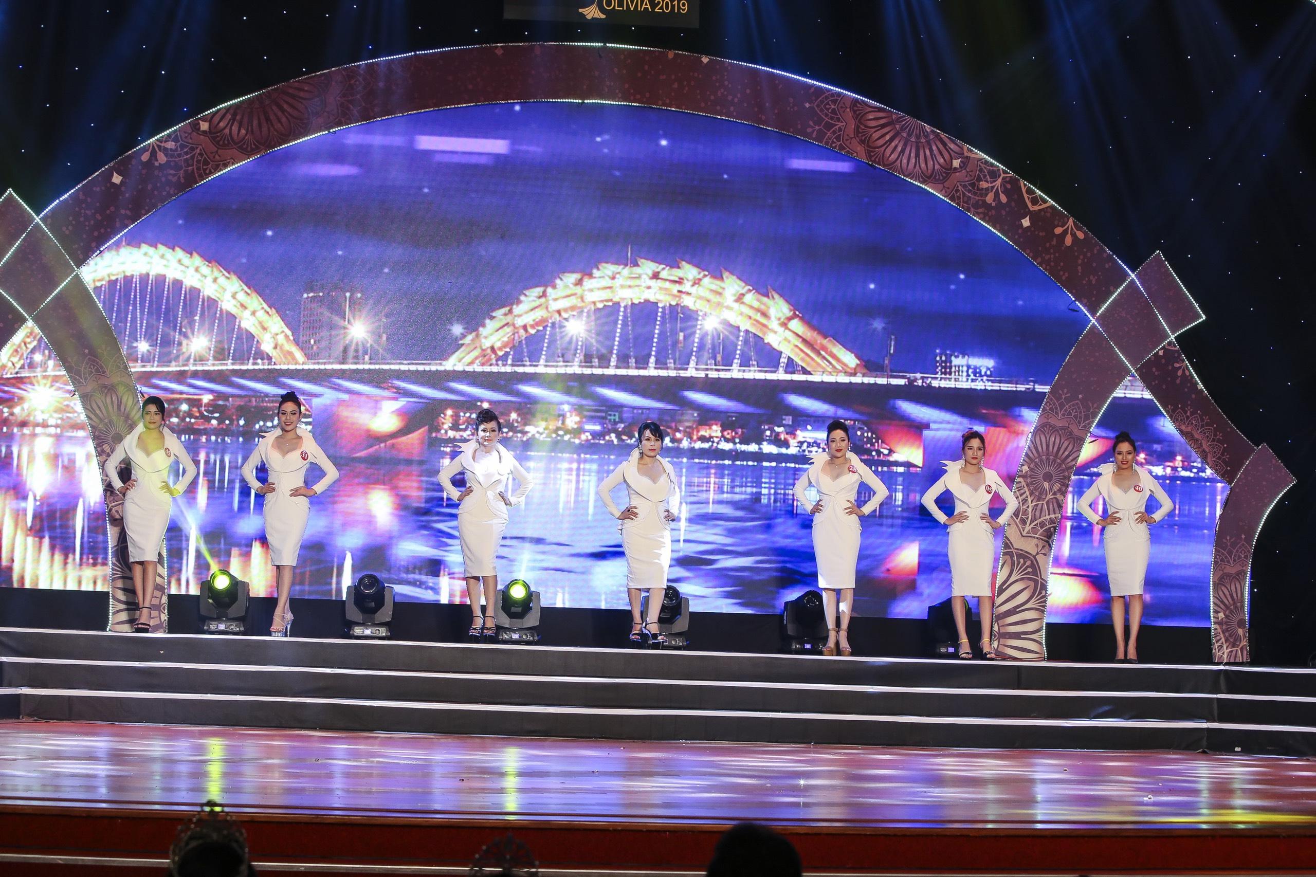 Nhiều sắc màu tại đêm tôn vinh Hoa hậu Thương hiệu Olivia tại Việt Nam 2019 - Ảnh 5