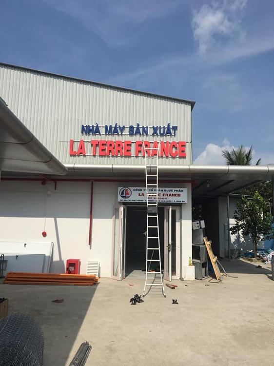 Phùng Hòa Bình – Thầy Y một đời chữa bệnh cứu người đồng ý làm cố vấn chuyên môn đứng sau nhà máy sản xuất dược phẩm – thực phẩm chức năng LA TERRE FRANCE - Ảnh 3