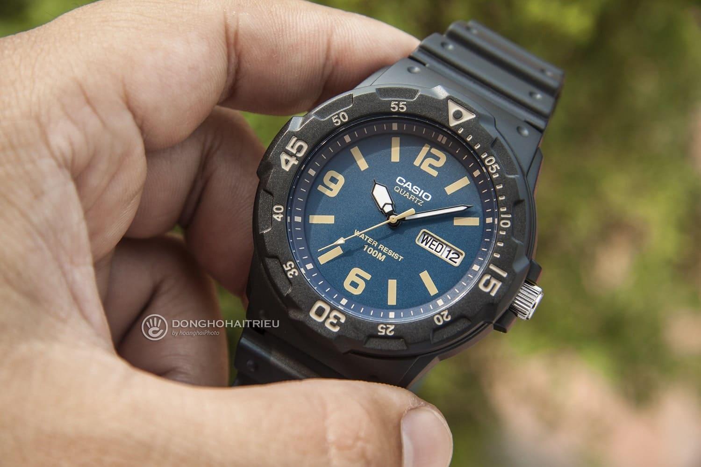 """Đồng hồ chính hãng dưới 1 triệu có thật sự """"chính hãng""""? - Ảnh 1"""