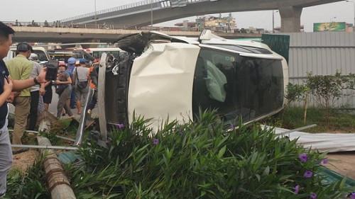 Đã xác định được nguyên nhân vụ xe sang gây tai nạn liên hoàn ở Cầu Giấy, Hà Nội - Ảnh 1