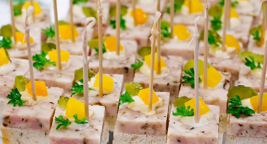 Tổ chức sự kiện, đặt tiệc tại nhà: Xu hướng mới lên ngôi trong dịch vụ ăn uống - Ảnh 4