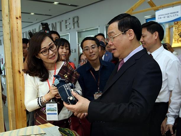 Triển lãm OCOP Việt Nam năm 2019 trở thành Hội chợ ấn tượng nhất ở Đông Nam Á - Ảnh 1