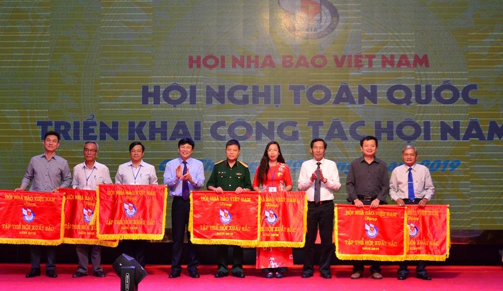Tiếp tục nâng cao vai trò, chất lượng hoạt động của Hội Nhà báo Việt Nam trong thời kỳ mới - Ảnh 1