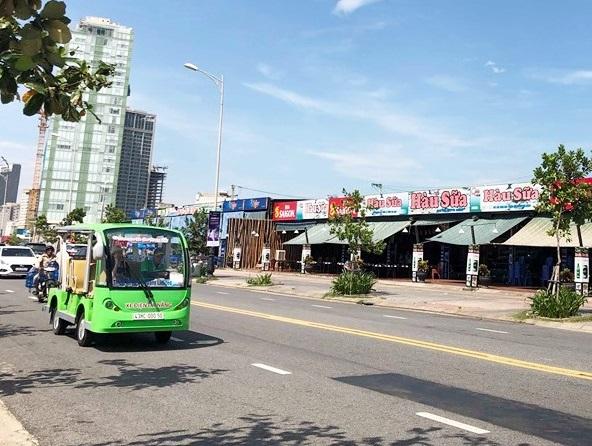 Chủ tịch Đà Nẵng chỉ đạo xử lý hàng loạt nhà hàng xây dựng không phép ven biển - Ảnh 1
