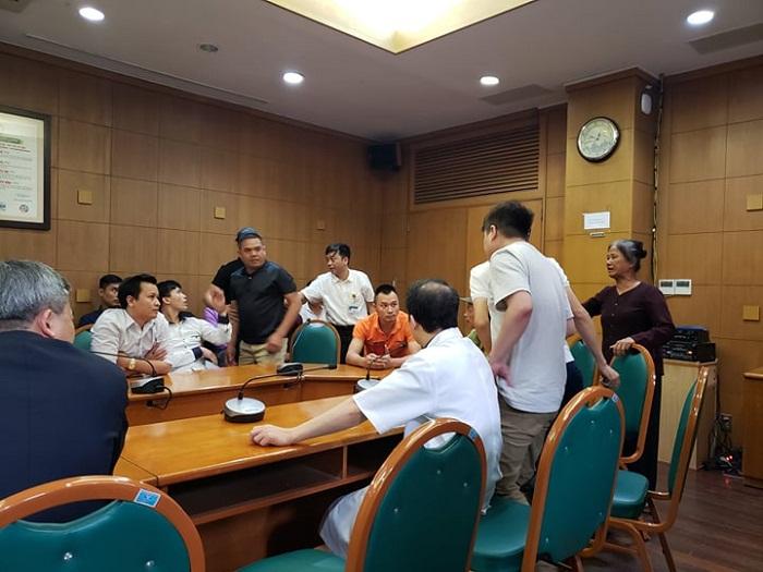 Bệnh viện Bạch Mai (Hà Nội): Xác minh thông tin một bệnh nhân tử vong sau khi tiêm? - Ảnh 2