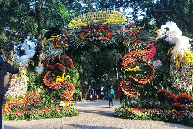 Nghệ nhân Nguyễn Minh Thuận: Người thổi hồn vào nghệ thuật tạo hình bằng hoa quả phương Nam - Ảnh 3