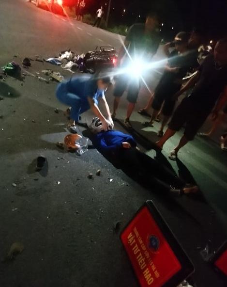 Thanh Oai - Hà Nội: Xe bồn va chạm với xe máy khiến một người tử vong tại chỗ và một người bị thương rất nặng - Ảnh 3